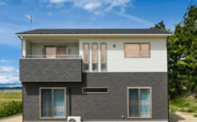 収納たっぷりで暮らしにもゆとりを♪ゆったりサイズのコンパクトな家(大郷町・T様)のサムネイル