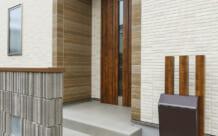 三世帯同居・狭小地ながら収納を考えたZEHの家(仙台市・D様)のサムネイル