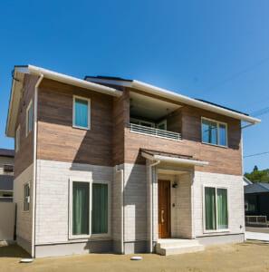 ツートンの外壁で洋風スタイルな高品位の家(東松島市・T様)のサムネイル