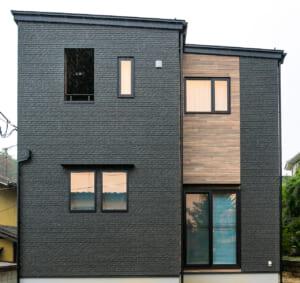 室内ドアが印象的なコンパクトな家(仙台市・S様)のサムネイル