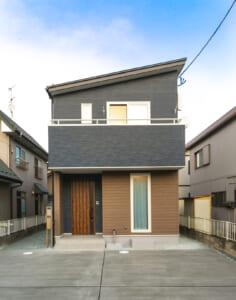 木目とブラウンカラーで落ち着いた温かみのあるコンパクトな家(仙台市泉区・T様)のサムネイル