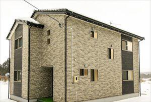 自然の中で快適に暮らす、ラスティック風のコンパクトな家(鳴子町・U様)のサムネイル