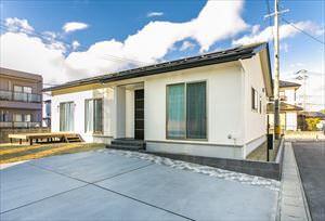信頼できる担当者と理想的な家づくりができた平屋の家(S様)のサムネイル