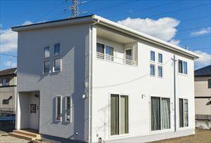 年間の光熱費が0になるシンプルデザインのZEHの家(仙台市・H様邸)のサムネイル